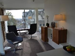 DoubleTree by Hilton Hotel London - Tower of London guestroom junior suite