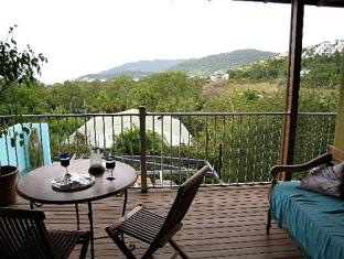 Airlie Beach Myaura Bed and Breakfast Whitsunday Islands - Balcony/Terrace