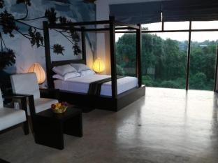 La Villa Sanctuary Colombo - Master Suite Room During Dusk