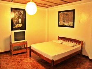 Balay de la Rama Bed and Breakfast Daraga - Deluxe room with view on the Garden