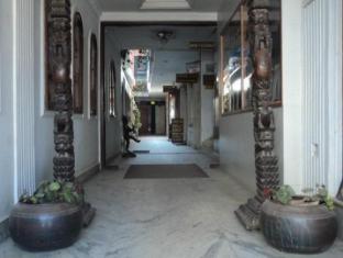 Hotel Padma Kathmandu - Sisäänkäynti