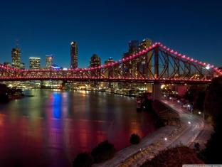 Essence Serviced Apartments Brisbane - Storey Bridge