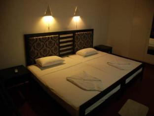 Sea Garden Hotel Negombo - Standard Rooms