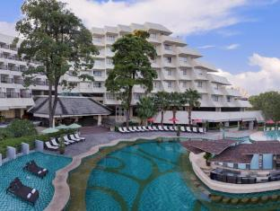 Andaman Embrace Resort & Spa Patong Beach Phuket - Bể bơi