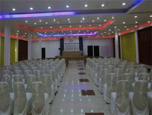 Clarks Inn Kaushambi New Delhi and NCR - Conference Hall