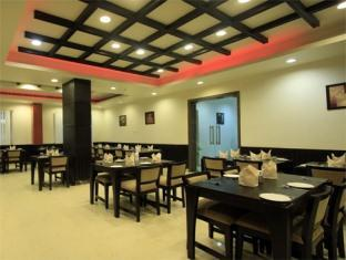 Clarks Inn Kaushambi New Delhi and NCR - The Bridge