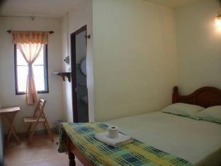 Sixty House guestroom junior suite