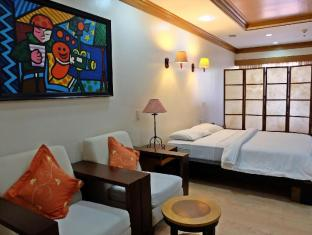 Hollywood Suites Mactan Island - Junior Suite