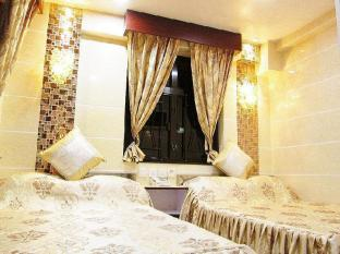 New Chung King Mansion Guest House - Las Vegas Group Hostels HK Hong Kong - Deluxe Family Room