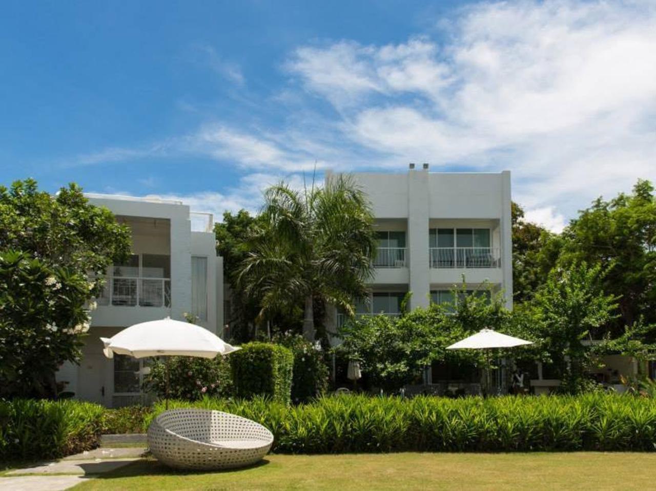 เวราโน บีช วิลลา (Verano Beach Villa)