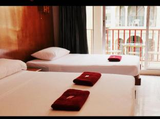 Boomerang Inn Phuket - Superior Double with extra bed (Triple)