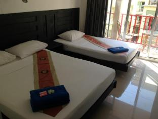 Boomerang Inn Phuket - Superior Queen Bed