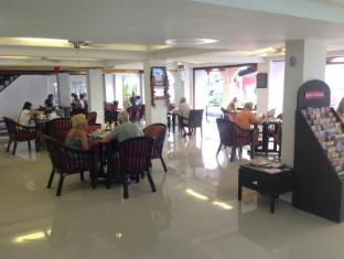 Boomerang Inn Phuket - Ravintola