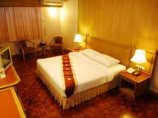 Silom Village Inn Bangkok - Guest Room
