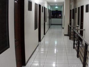 Philippines Hotel Accommodation Cheap | Hotel California Cebu - Lobby