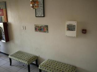 Philippines Hotel Accommodation Cheap | Hotel California Cebu - Lobby