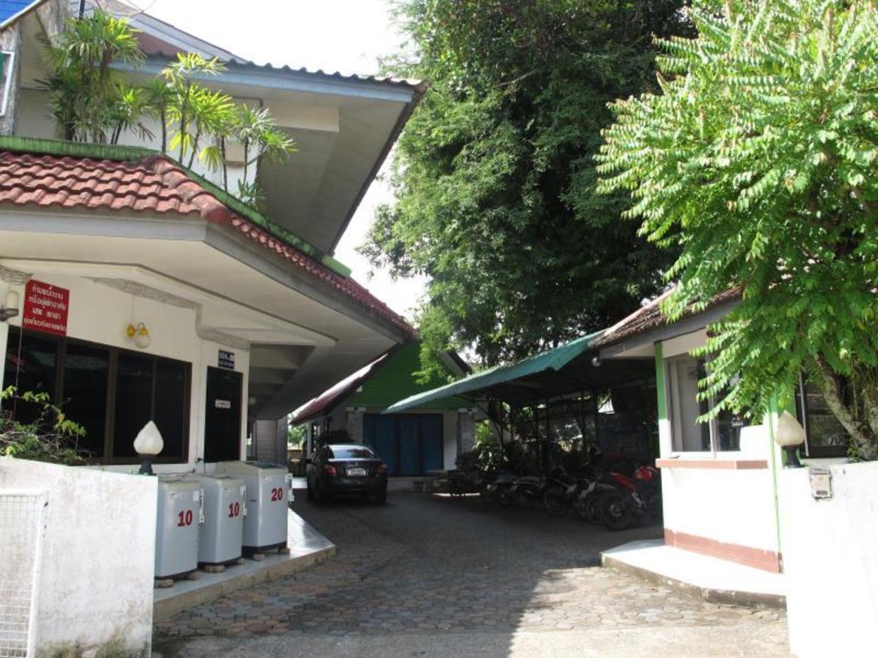 ทรี เฮาส์ เรสซิเดนซ์ (Tree House Residence)