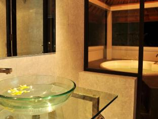 Bali au Naturel Beach Resort Bali - Bathroom