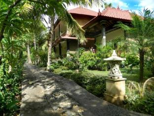 Bali Bhuana Beach Cottages באלי - בית המלון מבחוץ