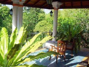 Utopia Villas Hikkaduwa - Entrance Living Area