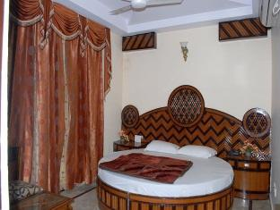 Hotel Western King New Delhi and NCR - Suite Room