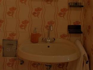 Danube Andrassy Apartment Budapest - Bathroom