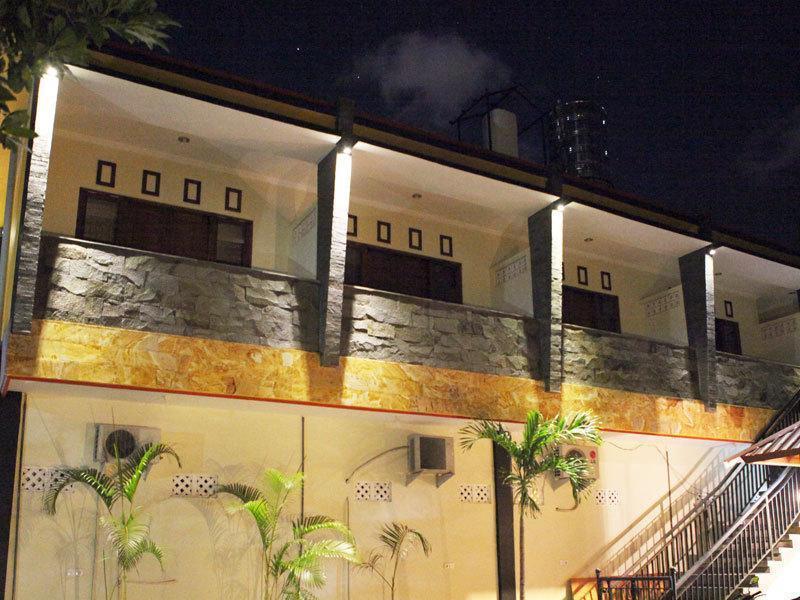 The Legian Guest House 777