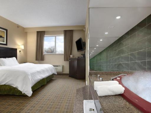➦  Wyndham Hotels & Resorts    (New York) customer rating