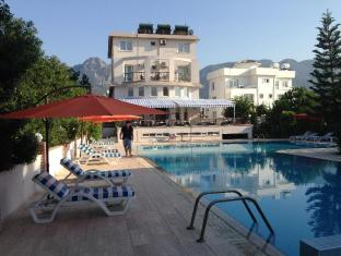 The Prince Inn Hotel & Villas Kyrenia - Zwembad