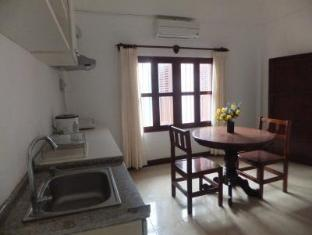 Villa Lao Apartment Vientiane - Kitchen and living room of 1 bedroom