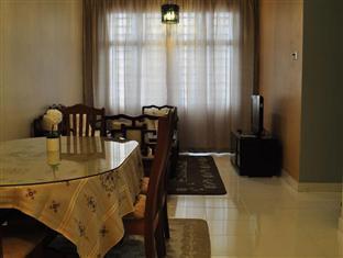 Damansara Holiday Home Kuala Lumpur - Dining Area