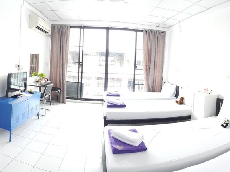 デ タラク ホステル