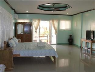 Isola Bella Beach Resort Bohol - Family Room
