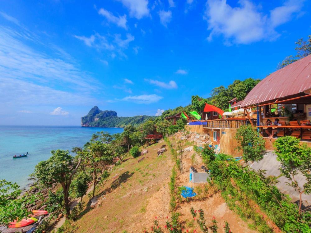 Phuphaya Seaview Resort - Adults Only