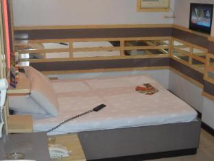 Philippines Hotel Accommodation Cheap | Hotel Sogo Pasay Rotonda Manila - Executive Room