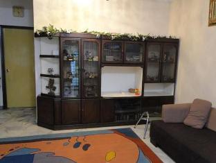 Bandar Tasik Selatan Home Vacation Kuala Lumpur - Living Area - Ground Floor