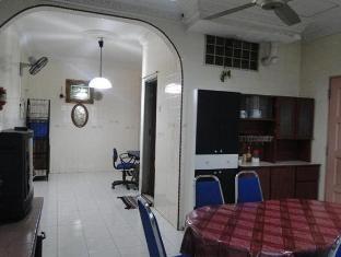 Bandar Tasik Selatan Home Vacation Kuala Lumpur - Dining Area