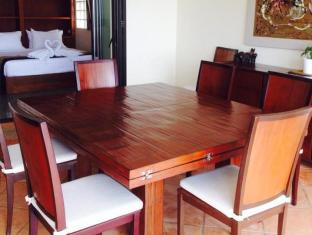 Kalim Beach Place Phuket - On Beach Sea-View Villa 3 Bedroom dining table