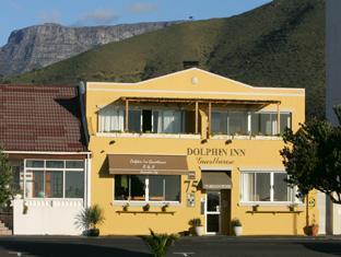 Dolphin Inn Guesthouse