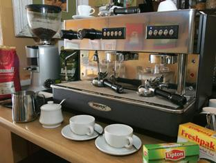 Dolphin Inn Guesthouse Cape Town - Great coffee