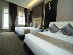 The Sterling Boutique Hotel Malacca - Deluxe Family Suite with Jacuzzi