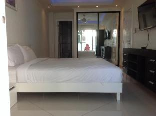 Vtsix Condo Rentals at View Talay 6 Pattaya Pattaya - Royal 2 Bedroom Suite