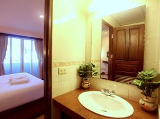 Paradise Inn Phuket - Ensuite Bathrooms