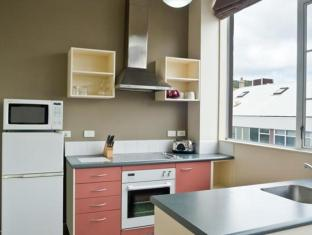 Courtenay Village Wellington - Kitchen