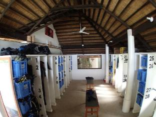 Amun Ini Beach Resort & Spa Bohol - Dive Equipment room