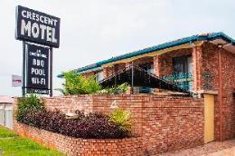Crescent Motel