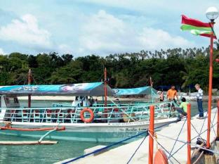 Paradise Island Park & Beach Resort Davao - Intrare