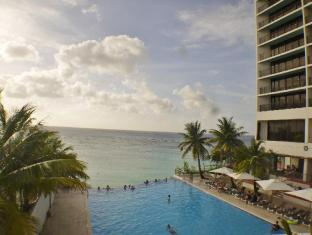 Guam Reef & Olive Spa Resort Guam - Bazen