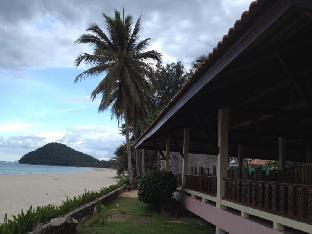 Clean Wave Resort discount