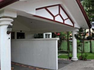 Chateau Veronica Apartelle Davao - Exterior